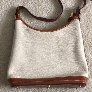 Dooney & Bourke Bags - Dooney & Bourke cream purse